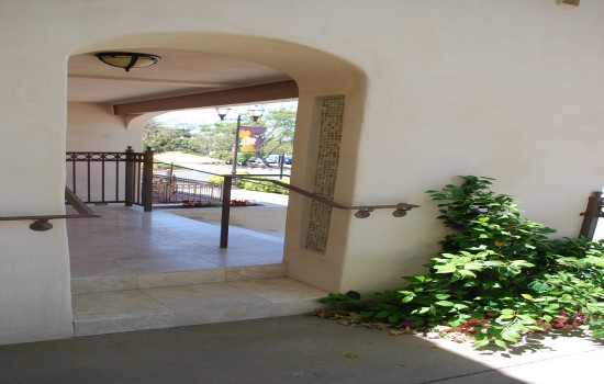 Welcome To Bella Capri Inn & Suites - Patio Entrance