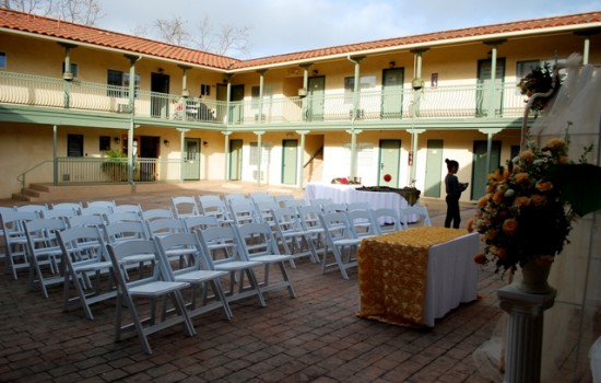 Welcome To Bella Capri Inn & Suites - Courtyard Event Area