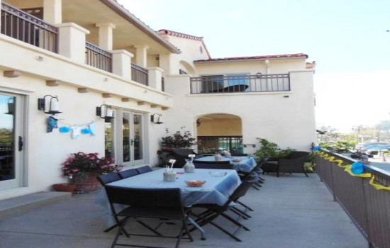 Welcome To Bella Capri Inn & Suites - Outdoor Event & Meeting Table